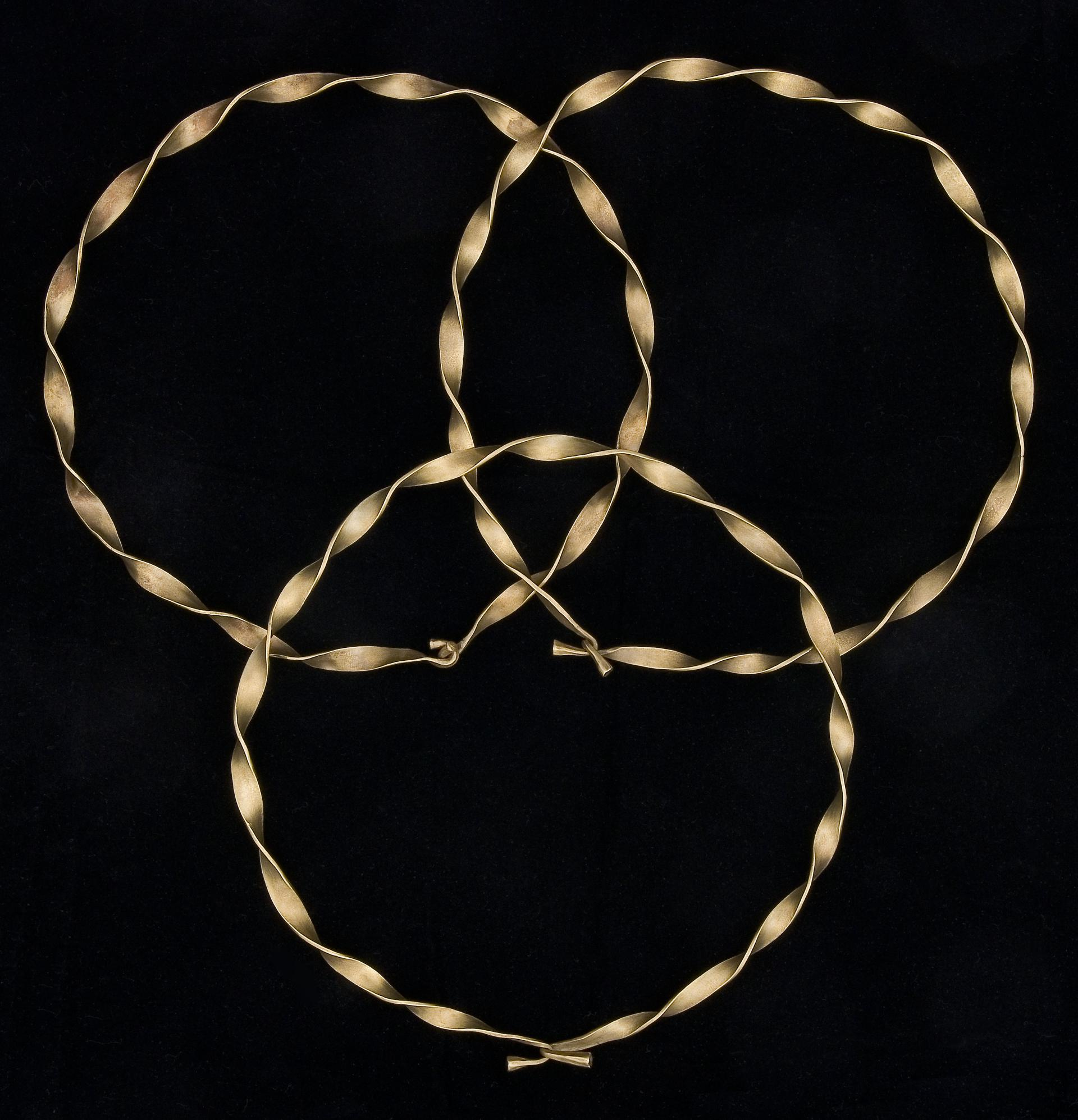 Open the image &lsquoHeyope gold torcs (3)'