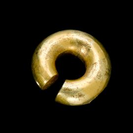Late Bronze Age gold penannular ring