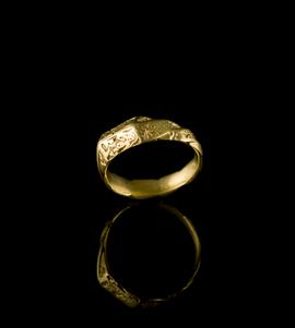Medieval gold finger ring