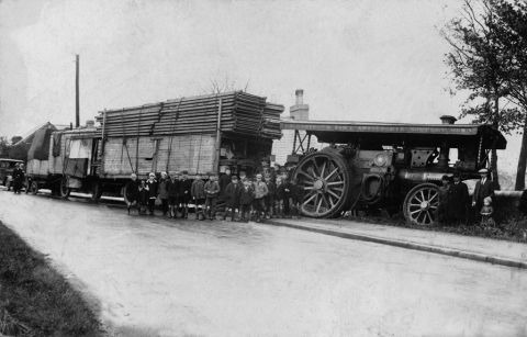 Showman's traction engine and train in1929 (b/w photo)