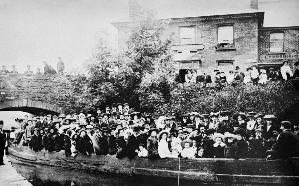 Sunday school outing on Brecon Abergarenny canal (b/w photo)