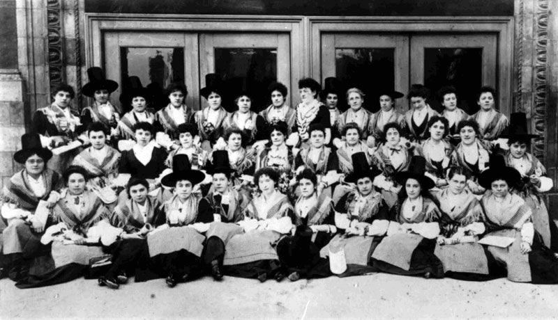 Royal Welsh Ladies Choir, 1897