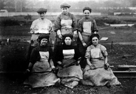 Tinplate Workers, Swansea, 1900